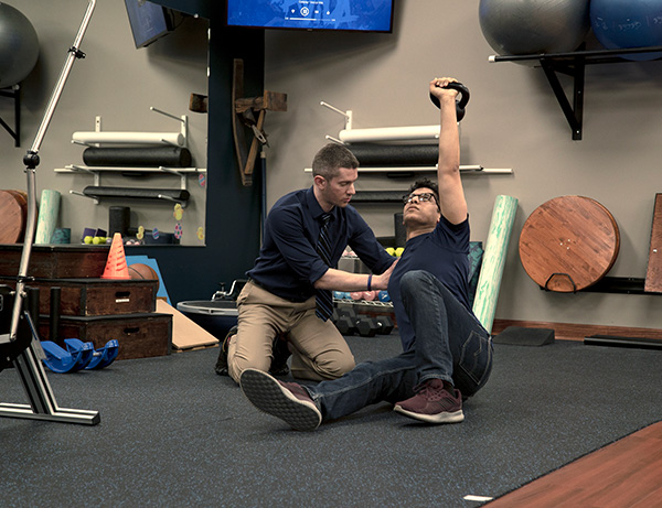 Robbins Physical Therapy East - Helping Patient