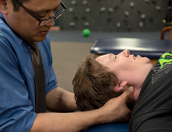 Robbins Physical Therapy East Neck Massage